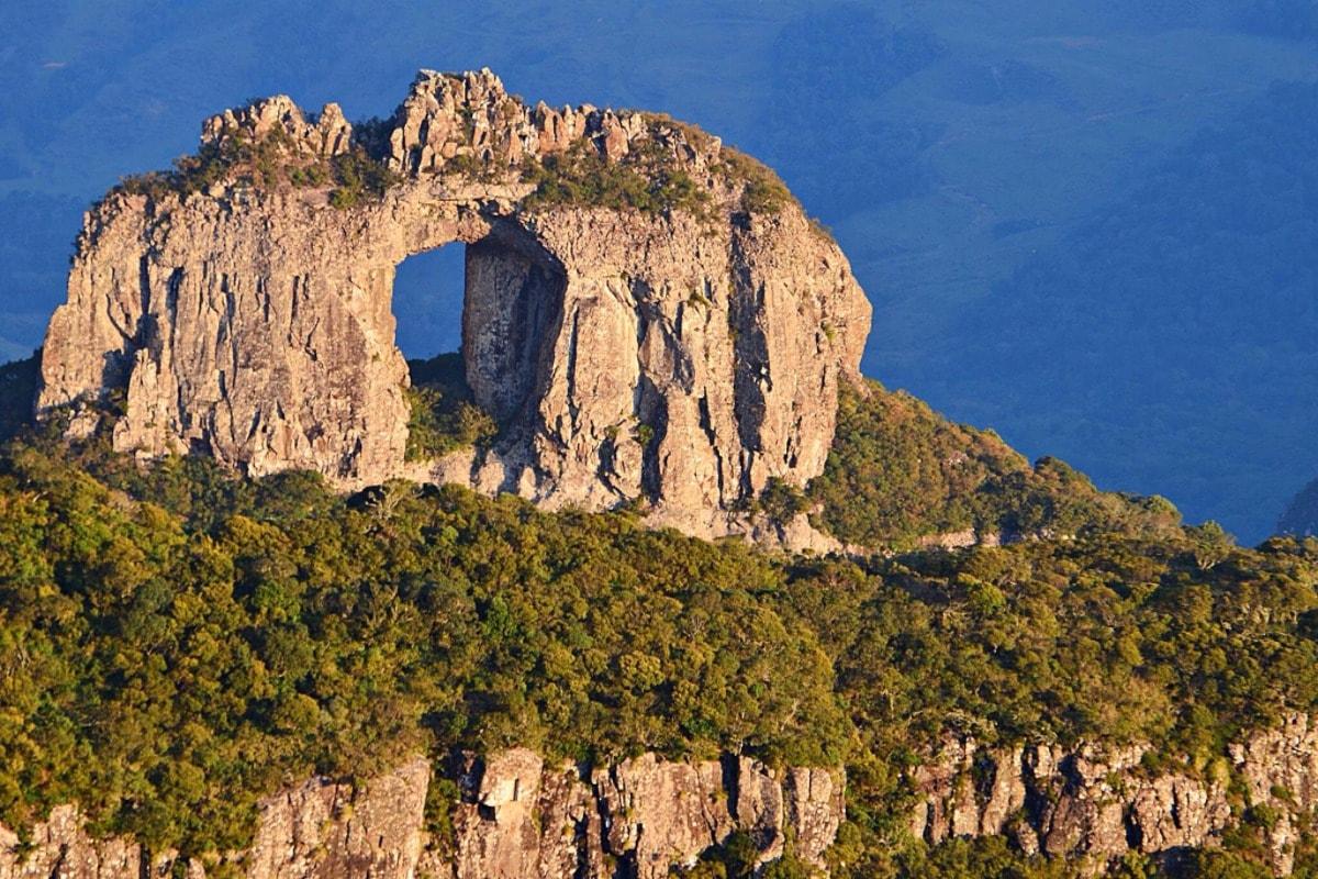 canion-serra-apino-turismo-viagens